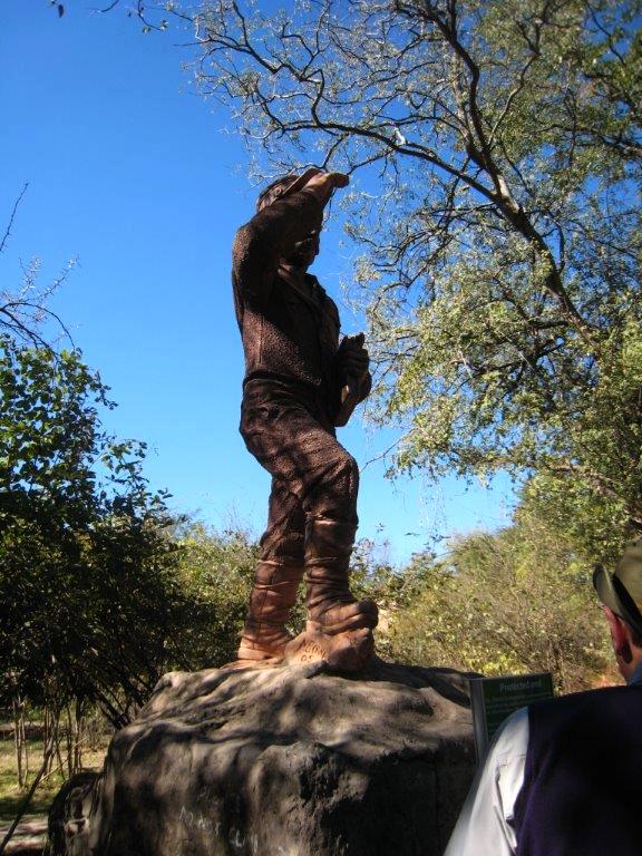 Statue of David at Victoria Falls